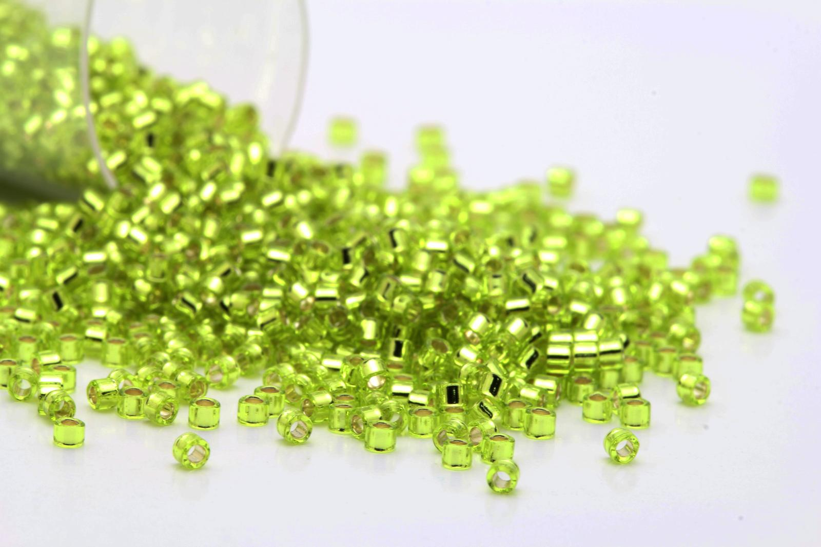 delicas 11 0 silver lined peridot seed